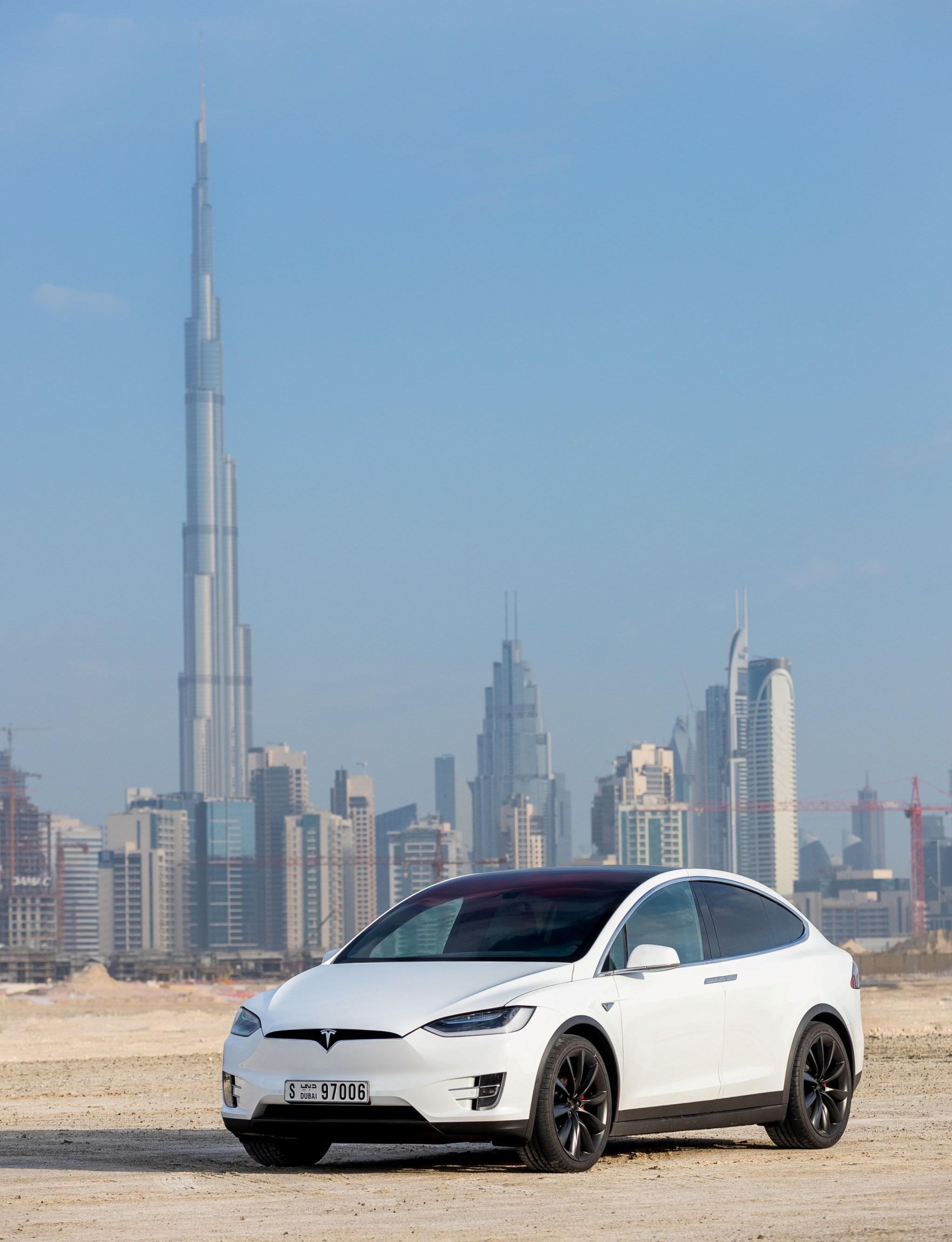 Tesla открывает продажи своих автомобилей в ОАЭ 529a35c7fda
