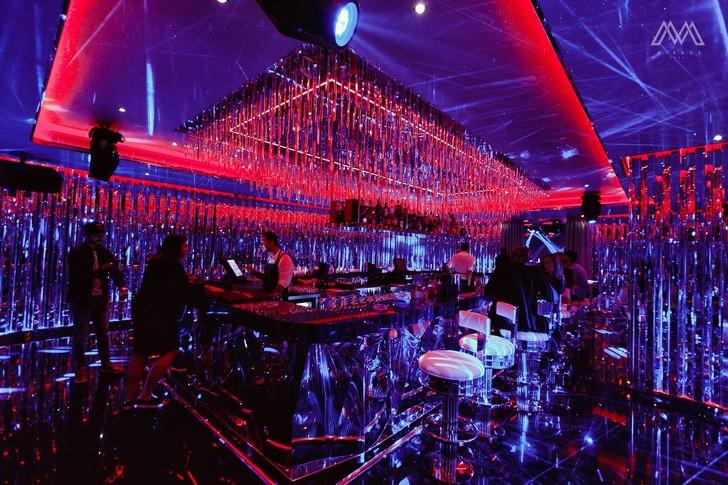 Клуб миражи в москве атмосфера фитнес клуб москва сити