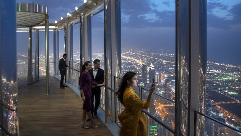 Гостиная The Lounge, Burj Khalifa