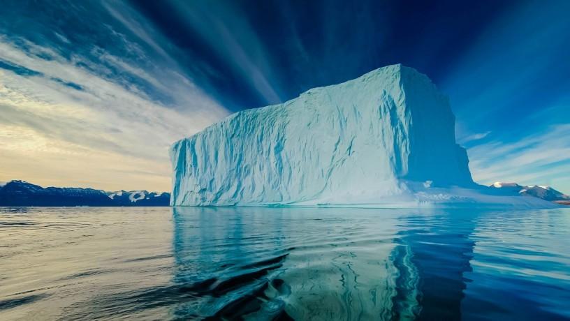 Из Антарктиды к берегам ОАЭ будут доставлять айсберги