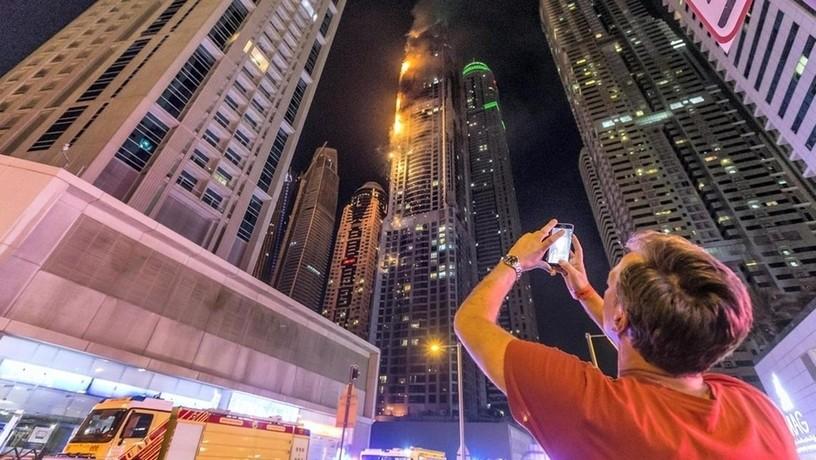 Дубай пожар в небоскребе видео бизнес эмиграция в польшу